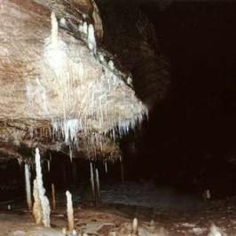 Peștera   Hoanca Apei